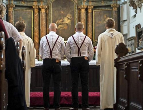"""Benedizioni coppie omosessuali: Il Vaticano """"discrimina le persone omosessuali e i loro progetti di vita""""."""