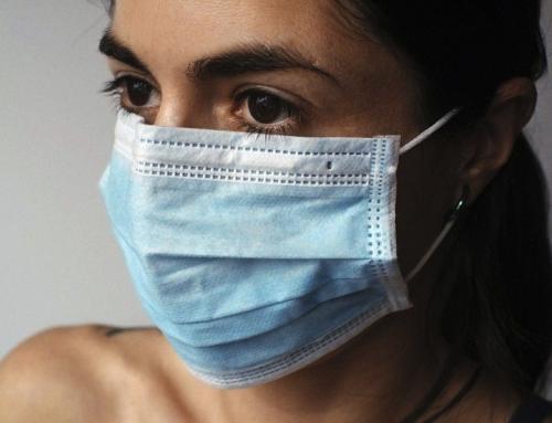 CDC trova che le mascherine e i divieti di mangiare al chiuso (ristoranti) non fermano il virus