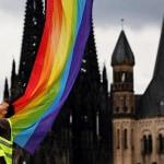 Oltre 500 sacerdoti tedeschi hanno giurato di sfidare il divieto della Chiesa sulla benedizione delle coppie dello stesso sesso