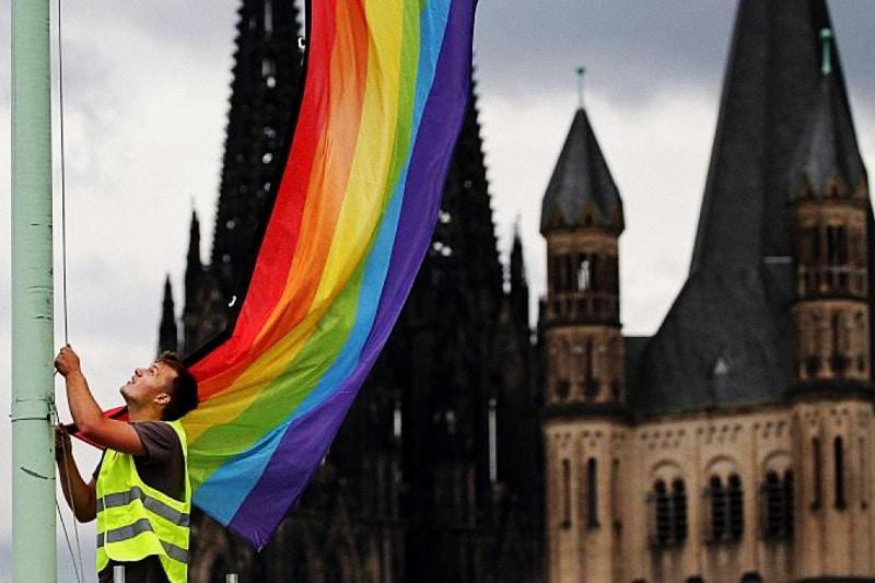 sacerdoti-LGBT-in-Germania