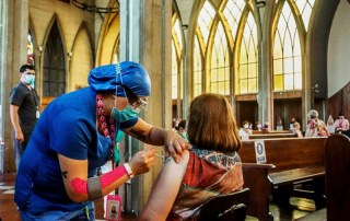 vaccinazione in chiesa