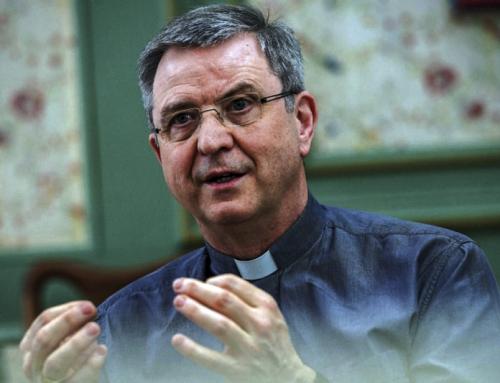 Vescovo Bonny: Per colpa del no alle benedizioni delle unioni omosessuali centinaia di fedeli hanno abbandonato la mia diocesi.