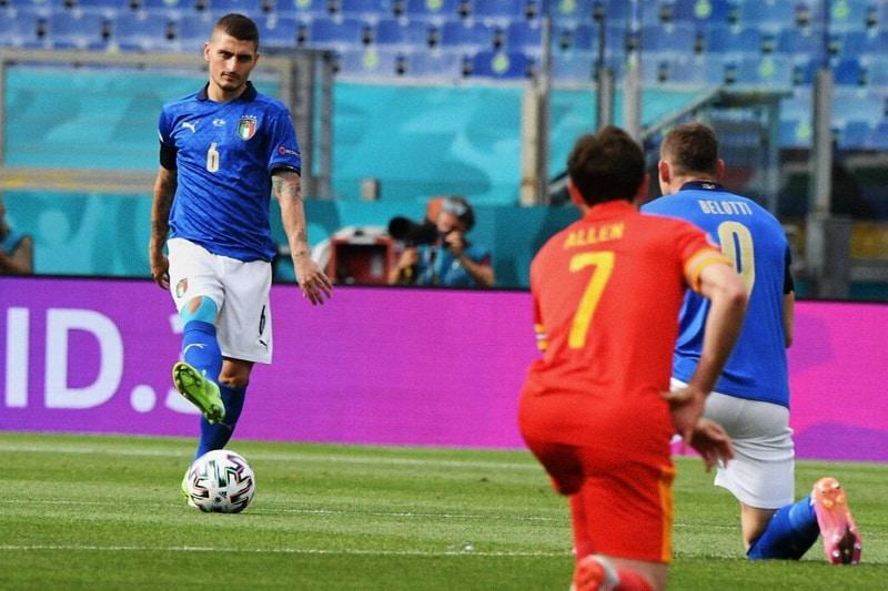Italia-inginocchiati-1
