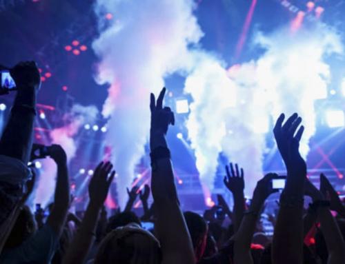 20.000 partecipano al concerto, ammessi solo con il green pass. Risultato: 1.000 infettati covid.