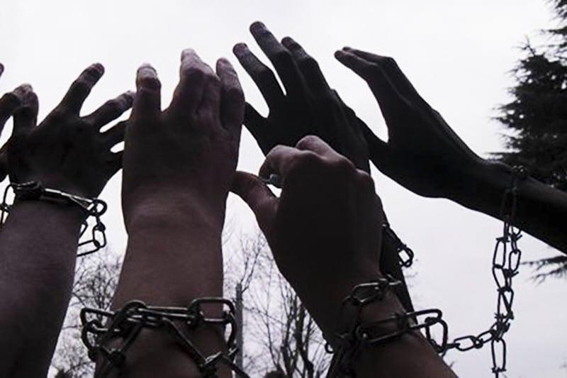 mani-catene-libertà