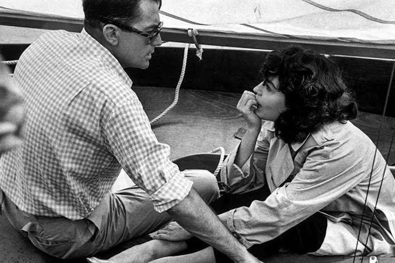 "Gregory Peck (il capitano Towers), Ava Gardner (Moira Davidson) nel film ""On the Beach"" del regista Staley Kramer"