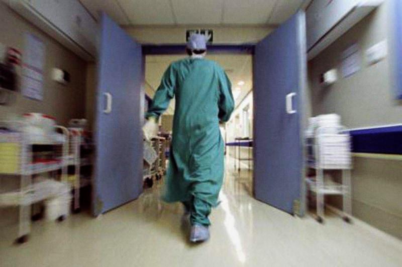 ospedale-corsia-infermiere-dottore-1