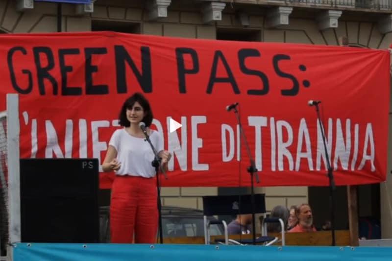 Giulia: Universitari contro il green pass