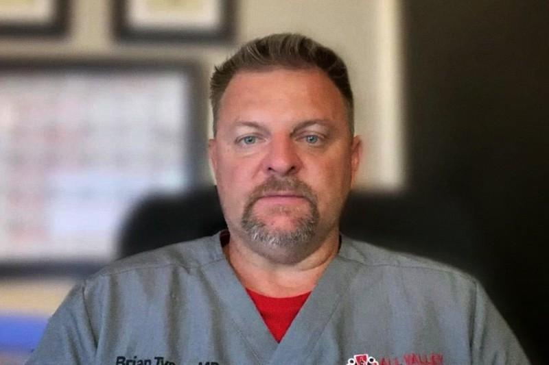 dottor Brian Tyson, sostenitore delle cure precoci nella COVID