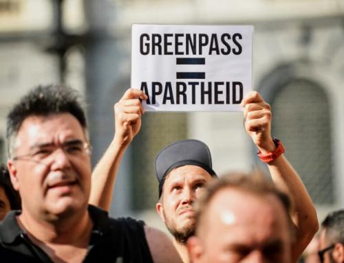 Con il green pass, i nostri governanti  spingono l'Italia nel baratro di un regime dagli effetti potenzialmente devastanti