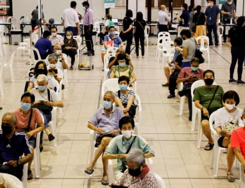 Singapore, con l'80% dei vaccinati, vede una nuova ondata di contagi e morti come quando la nazione non era vaccinata