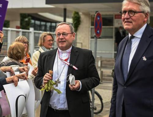 """La """"via sinodale"""" tedesca vota per la benedizione delle unioni omosessuali; difende la contraccezione, la masturbazione"""