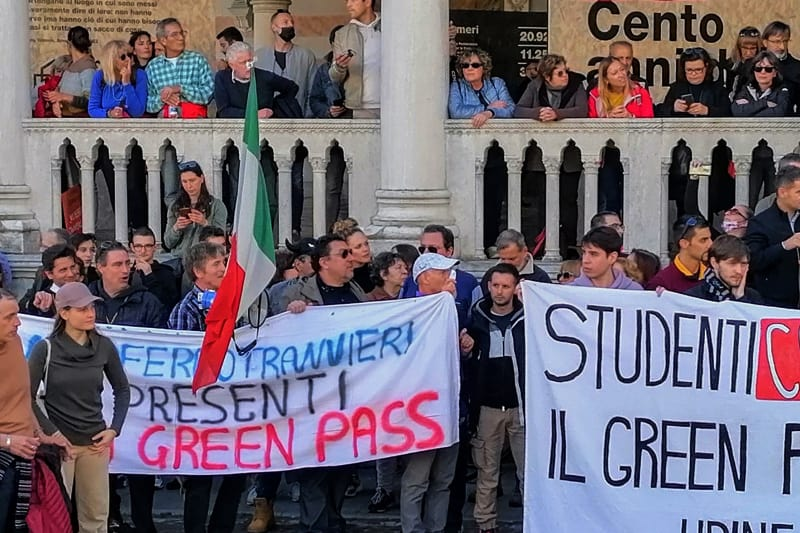 Udine-manifestazione-No-green-pass-15-10-2021